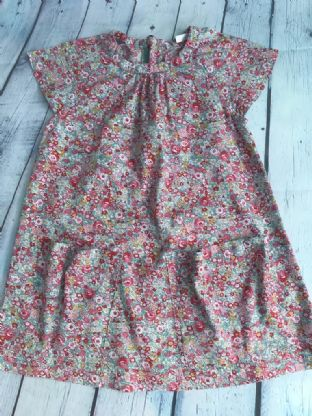 Joules disty floral print dress with pockets age 7 (fits age 6-7)